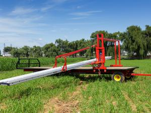 Harvest conveyor on a wagon